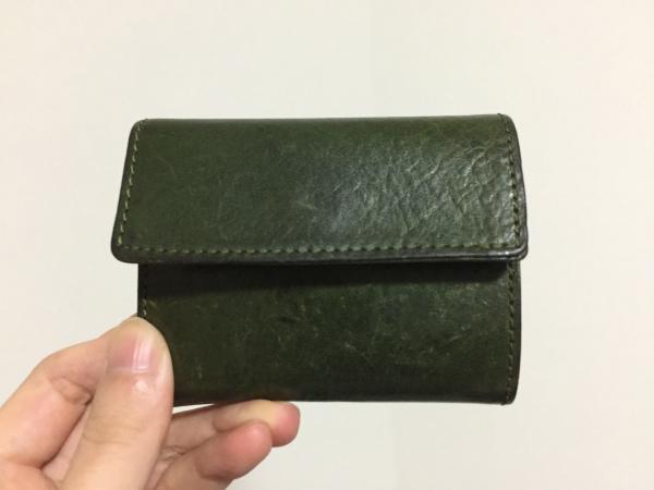 小さい財布の画像